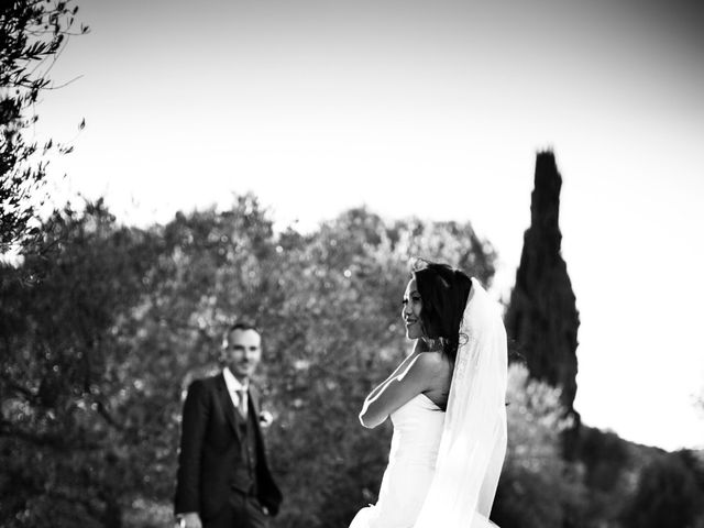 Le mariage de Olivier et Vanthy à Saint-Zacharie, Var 13