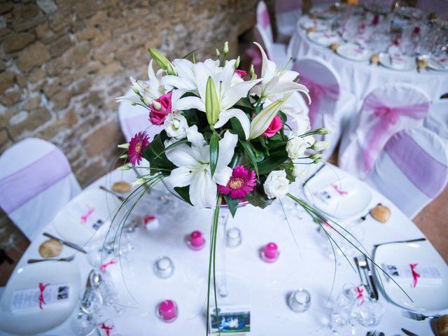 Le mariage de William et Elodie à Saint-Priest, Rhône 31
