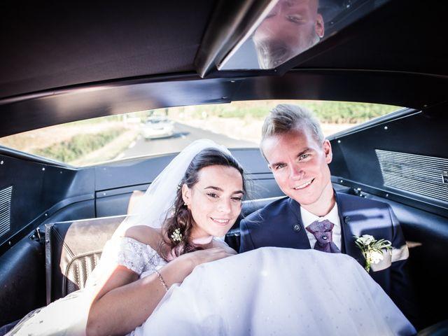 Le mariage de Antoine et Amandine à Frontignan, Hérault 56