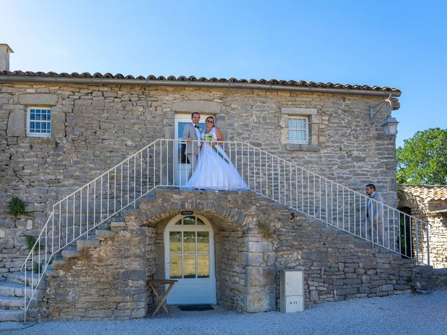 Le mariage de Nicolas et Aurélie à Saint-Hilaire-de-Beauvoir, Hérault 33