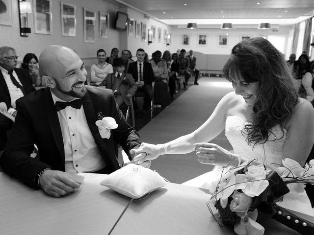 Le mariage de Davide et Jennifer à Les Pieux, Manche 10