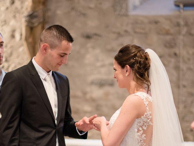 Le mariage de Pierre et Pauline à Gilly-sur-Isère, Savoie 60