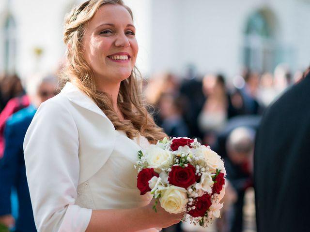 Le mariage de Stéphane et Émilie à Rosay, Yvelines 16