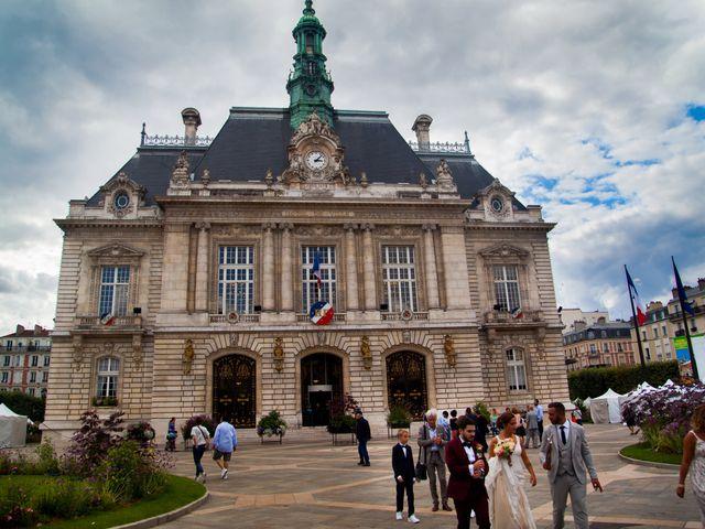 Le mariage de Anthony et Marie à Levallois-Perret, Hauts-de-Seine 61