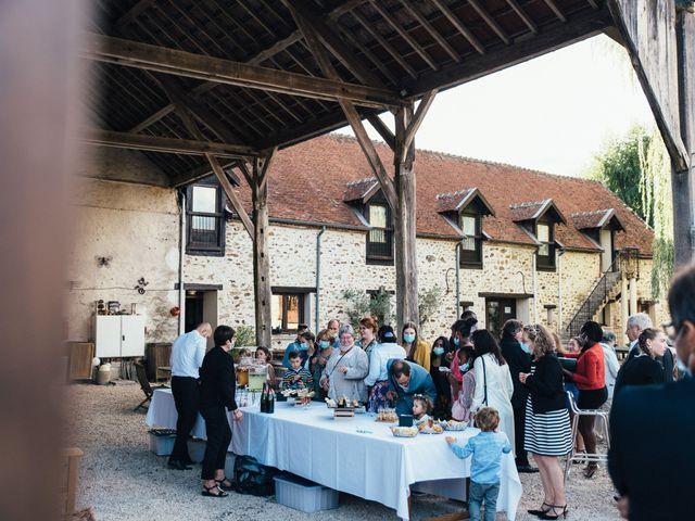 Le mariage de Sebastien et Lorraine à Bassevelle, Seine-et-Marne 11