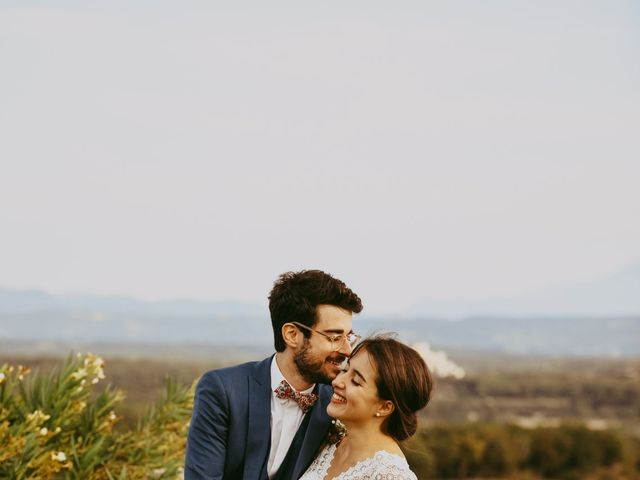Le mariage de Alexandre et Karine à Grignan, Drôme 2