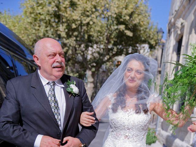 Le mariage de Addissu et Svilena à Roquemaure, Gard 7