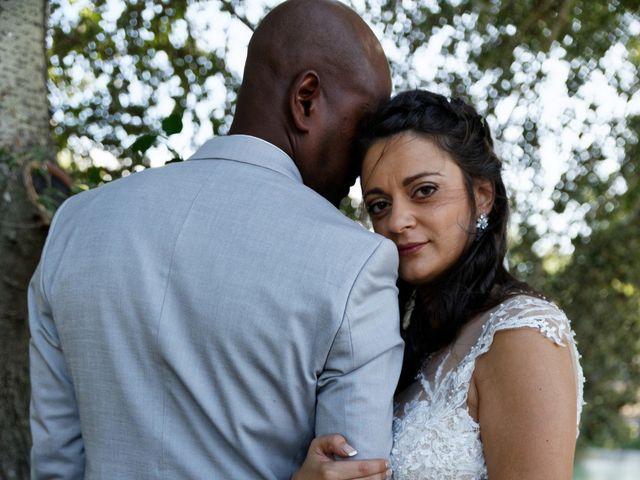 Le mariage de Addissu et Svilena à Roquemaure, Gard 14
