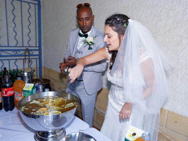 Le mariage de Addissu et Svilena à Roquemaure, Gard 17