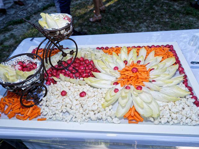 Le mariage de Addissu et Svilena à Roquemaure, Gard 18