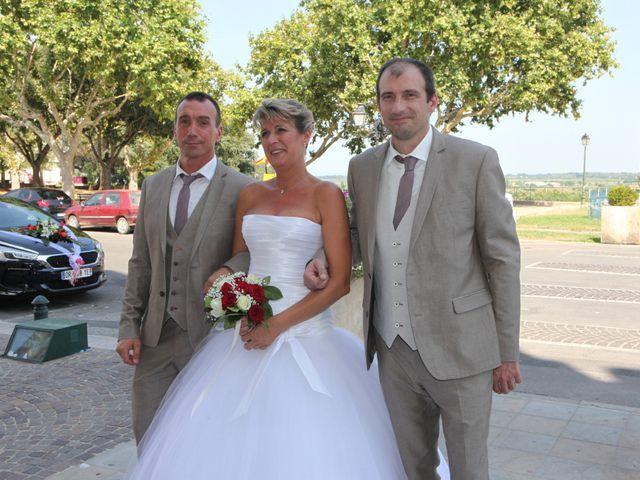 Le mariage de Eddy et Isabelle à Saint-Gilles, Gard 12