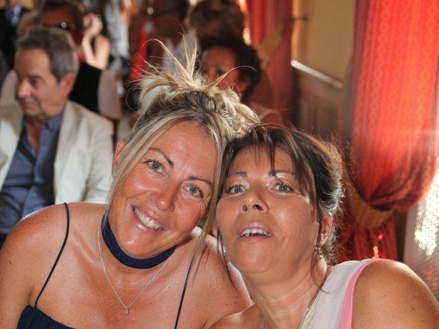 Le mariage de Eddy et Isabelle à Saint-Gilles, Gard 13