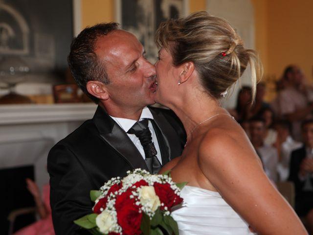 Le mariage de Eddy et Isabelle à Saint-Gilles, Gard 15