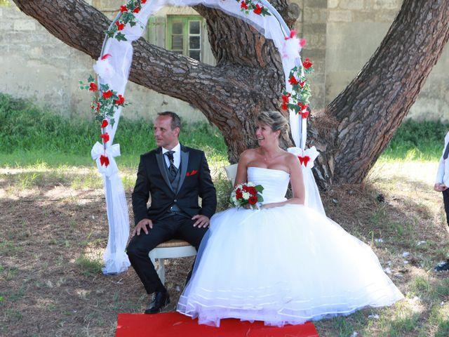 Le mariage de Eddy et Isabelle à Saint-Gilles, Gard 27