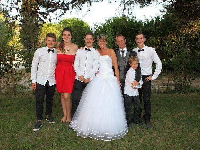 Le mariage de Eddy et Isabelle à Saint-Gilles, Gard 38