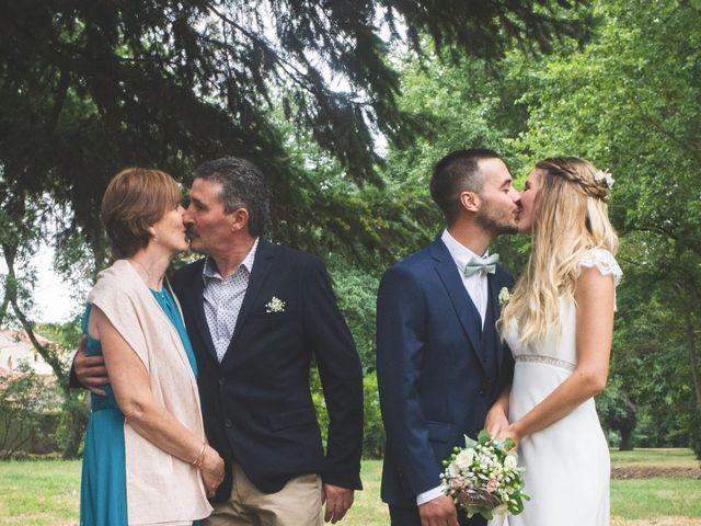 Le mariage de Mickael et Laure à Lempdes-sur-Allagnon, Haute-Loire 35