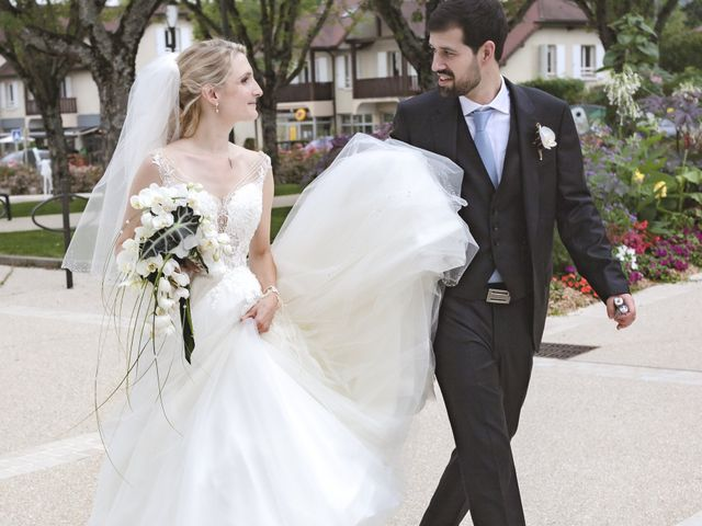 Le mariage de Jérémy  et Marine à Prévessin-Moens, Ain 32