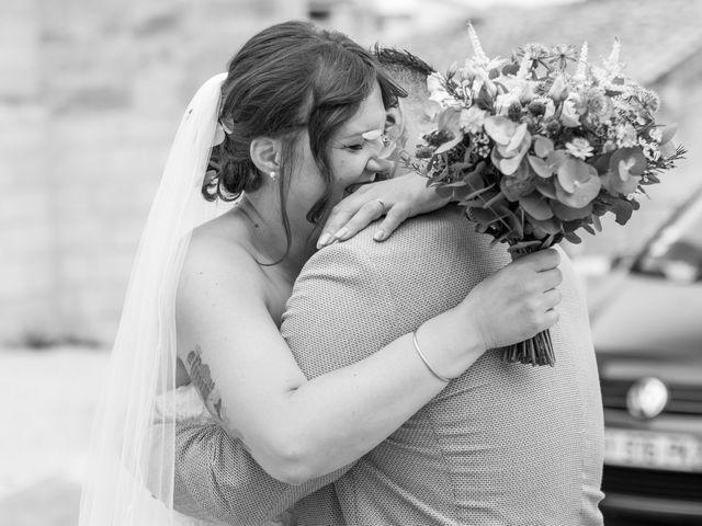 Le mariage de Julien et Pauline à Pujaut, Gard 4