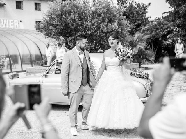 Le mariage de Julien et Pauline à Pujaut, Gard 7