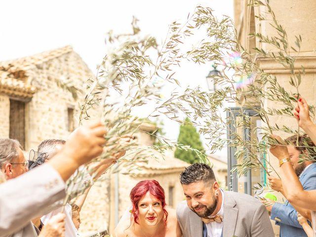 Le mariage de Julien et Pauline à Pujaut, Gard 8
