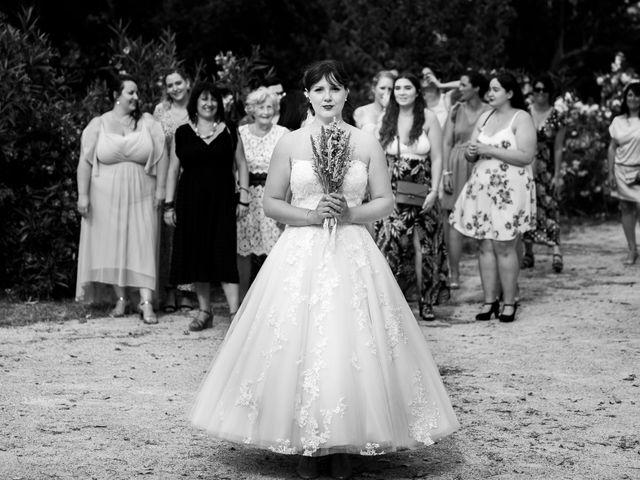 Le mariage de Julien et Pauline à Pujaut, Gard 10