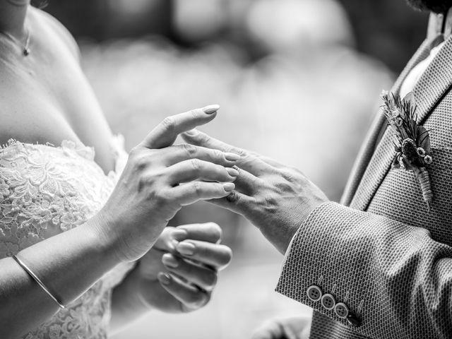 Le mariage de Julien et Pauline à Pujaut, Gard 15