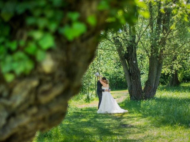 Le mariage de Aurélien et Chloé à Communay, Rhône 13