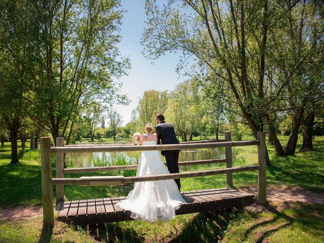 Le mariage de Aurélien et Chloé à Communay, Rhône 16
