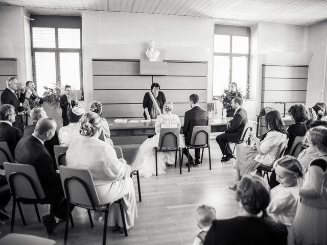 Le mariage de Aurélien et Chloé à Communay, Rhône 20