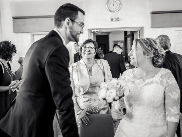 Le mariage de Aurélien et Chloé à Communay, Rhône 23