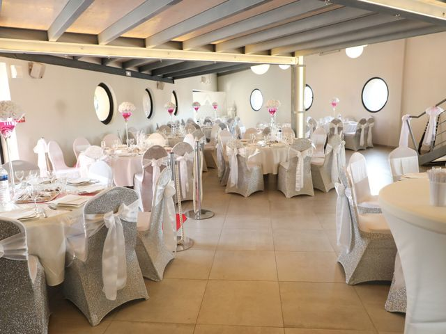 Le mariage de Younes et Nisrine à Montpellier, Hérault 32