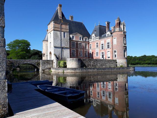 Le mariage de Julien et Lamia à La Bussière, Loiret 1