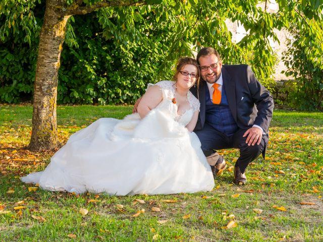 Le mariage de Jean-Joseph et Valérie à Esnandes, Charente Maritime 77
