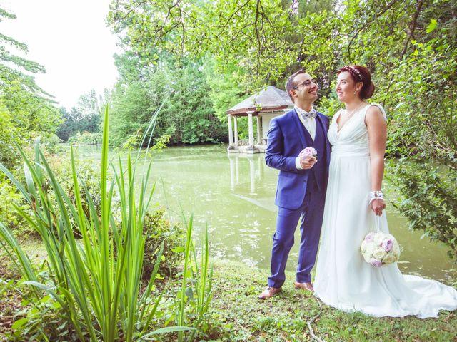 Le mariage de Jonathan et Adriane à Moulins, Allier 37
