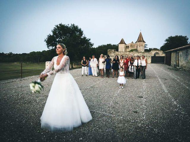 Le mariage de Alex et Julie à Saint-Gènes-de-Castillon, Gironde 10