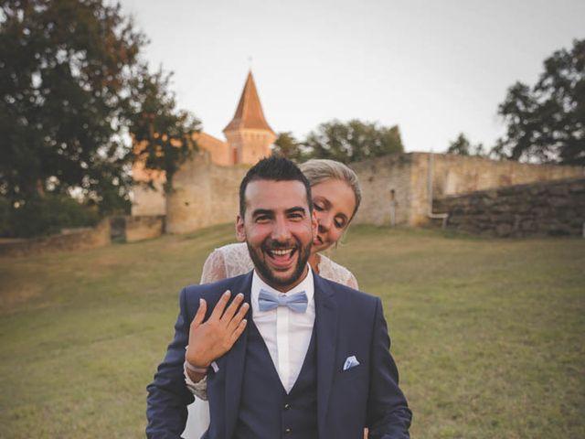 Le mariage de Alex et Julie à Saint-Gènes-de-Castillon, Gironde 33