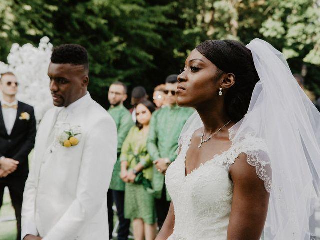 Le mariage de Patrolie et Sarah à Fresneaux-Montchevreuil, Oise 81