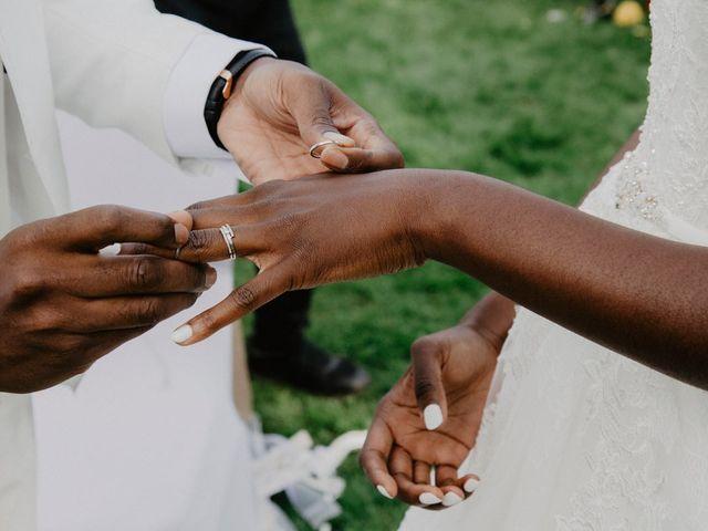 Le mariage de Patrolie et Sarah à Fresneaux-Montchevreuil, Oise 85