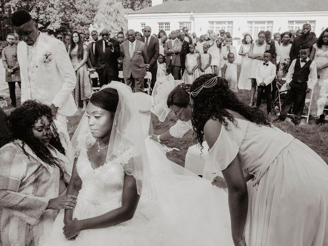 Le mariage de Patrolie et Sarah à Fresneaux-Montchevreuil, Oise 91