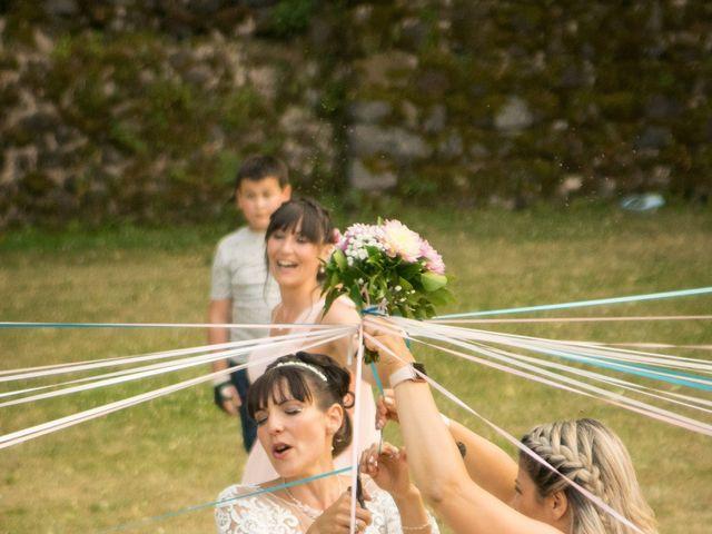 Le mariage de Greg et Laura à Loudes, Haute-Loire 60
