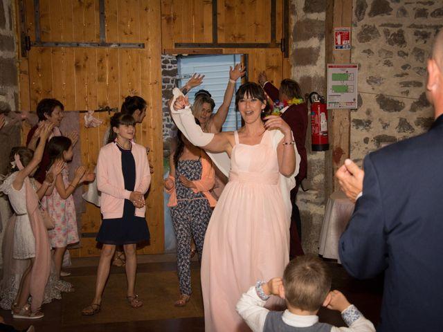 Le mariage de Greg et Laura à Loudes, Haute-Loire 71