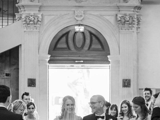 Le mariage de Timothée et Agathe à Orgon, Bouches-du-Rhône 1