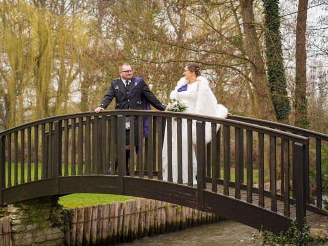 Le mariage de Clément et Aurélie à Croisy-sur-Eure, Eure 13