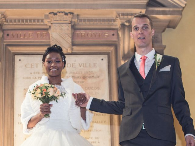 Le mariage de Nathanaël et Hafssoit à Troyes, Aube 15