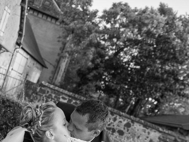 Le mariage de Romain et Sarah à Cosne-d'Allier, Allier 4