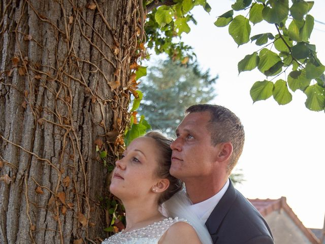 Le mariage de Romain et Sarah à Cosne-d'Allier, Allier 8