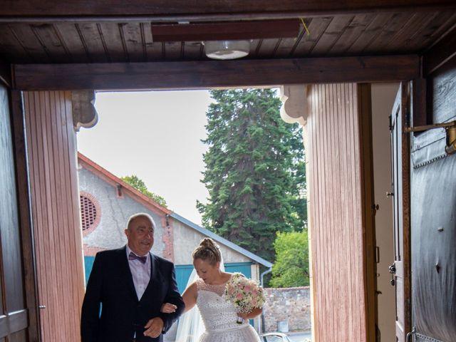 Le mariage de Romain et Sarah à Cosne-d'Allier, Allier 14
