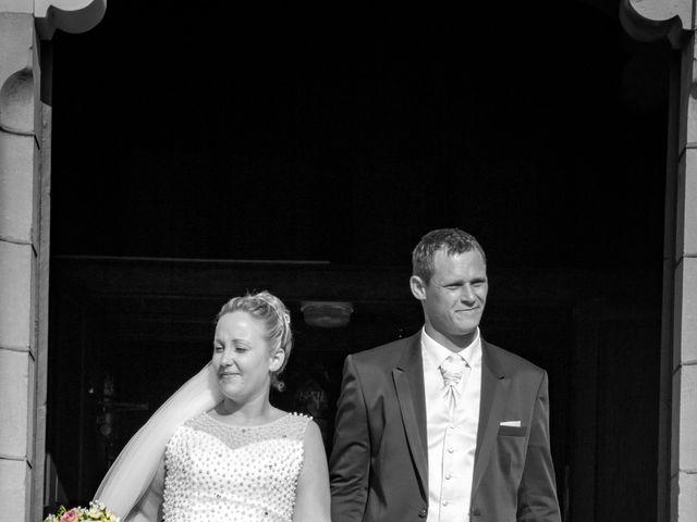 Le mariage de Romain et Sarah à Cosne-d'Allier, Allier 18