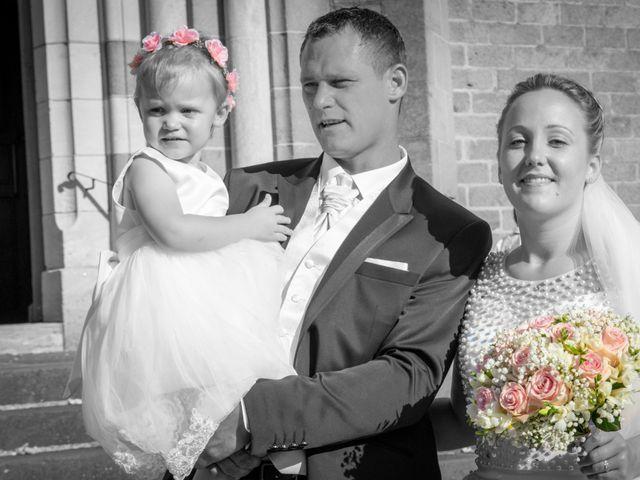 Le mariage de Romain et Sarah à Cosne-d'Allier, Allier 20
