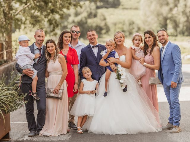 Le mariage de Remy et Laura à Allan, Drôme 21